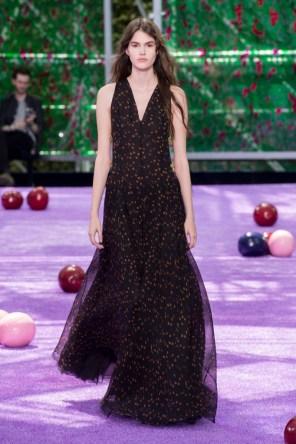 dior-fall-2015-couture-the-impression-020-682x1024