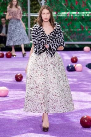 dior-fall-2015-couture-the-impression-027-682x1024