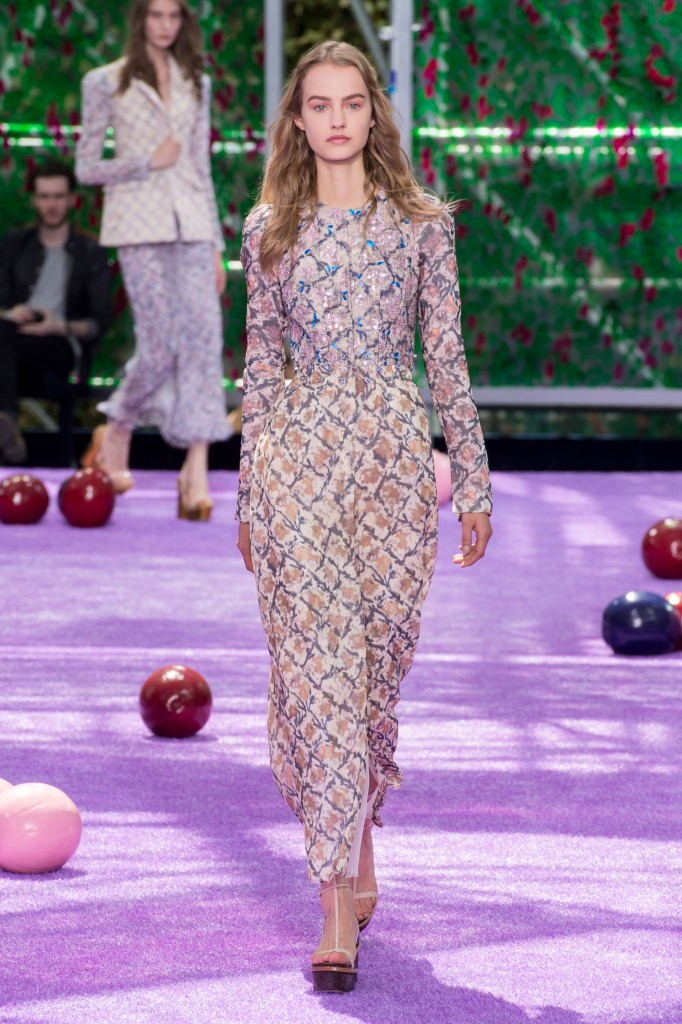 dior-fall-2015-couture-the-impression-042