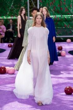 dior-fall-2015-couture-the-impression-058-682x1024