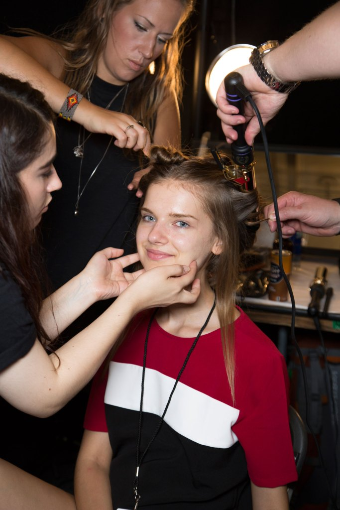 erin-fetherson-backstage-spring-2016-fashion-show-the-impression-12