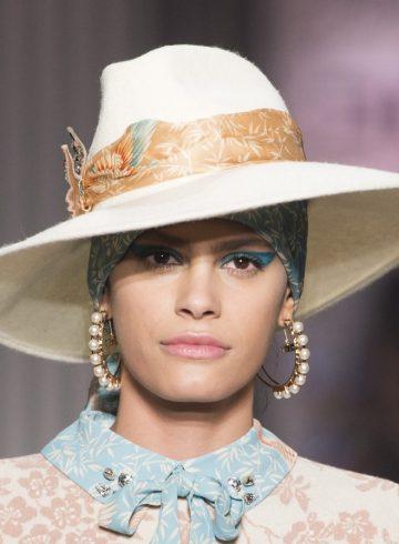 Elisabetta Franchi Fall 2017 Fashion Show Beauty