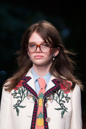 gucci-beauty-spring-2016-fashion-show-the-impression-012