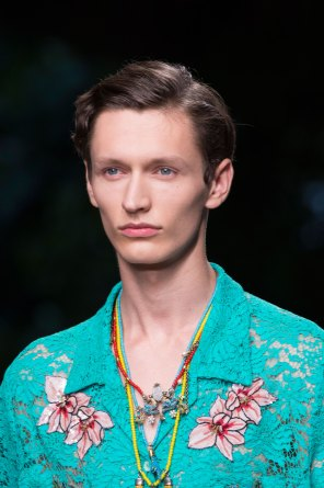 gucci-beauty-spring-2016-fashion-show-the-impression-019