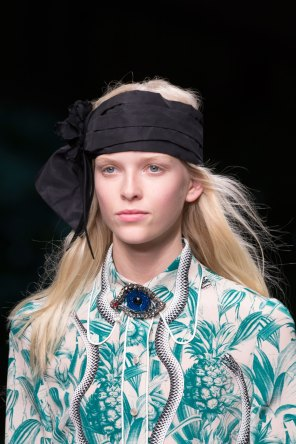 gucci-beauty-spring-2016-fashion-show-the-impression-022