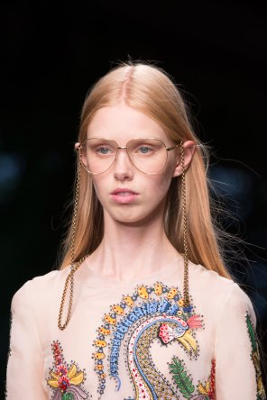 gucci-beauty-spring-2016-fashion-show-the-impression-037