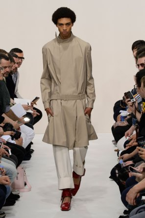 jw-anderson-spring-2016-mens-show-the-impression-09