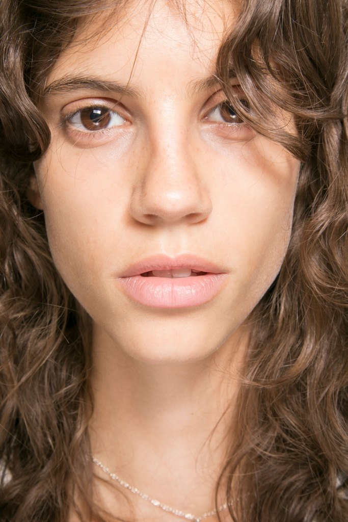 lacoste-backstage-beauty-spring-2016-fashion-show-the-impression-08