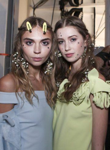 Chiara Boni la Petite Robe Spring 2018 Fashion ShowBackstage