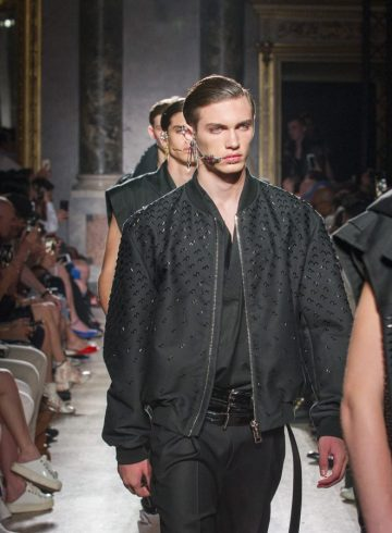 Les Hommes Spring 2018 Men's Fashion Show Atmosphere