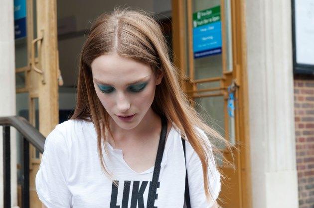 london-fashion-week-day-4-street-style-spring-2016-fashion-show-the-impression-002