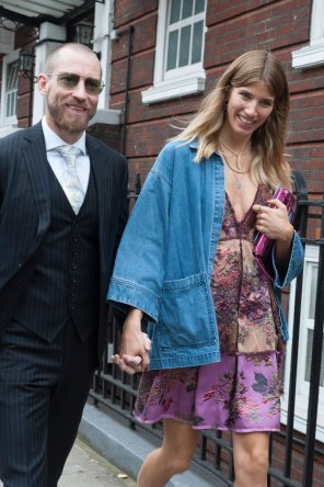 london-fashion-week-day-4-street-style-spring-2016-fashion-show-the-impression-029