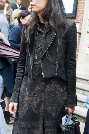 london-fashion-week-day-4-street-style-spring-2016-fashion-show-the-impression-037