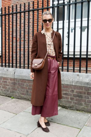 london-fashion-week-day-4-street-style-spring-2016-fashion-show-the-impression-044
