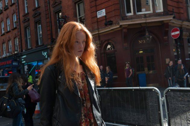 london-fashion-week-street-style-day-2-spring-2016-fashion-show-the-impression-014