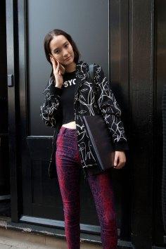 london-fashion-week-street-style-day-2-spring-2016-fashion-show-the-impression-033