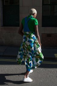london-fashion-week-street-style-day-2-spring-2016-fashion-show-the-impression-055