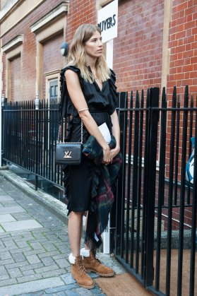 london-fashion-week-street-style-day-2-spring-2016-fashion-show-the-impression-089