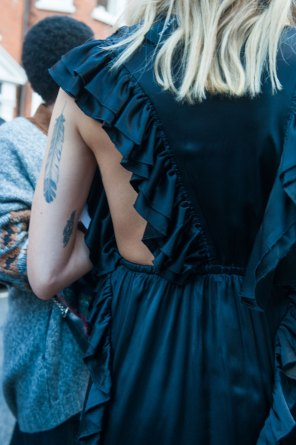 london-fashion-week-street-style-day-2-spring-2016-fashion-show-the-impression-090