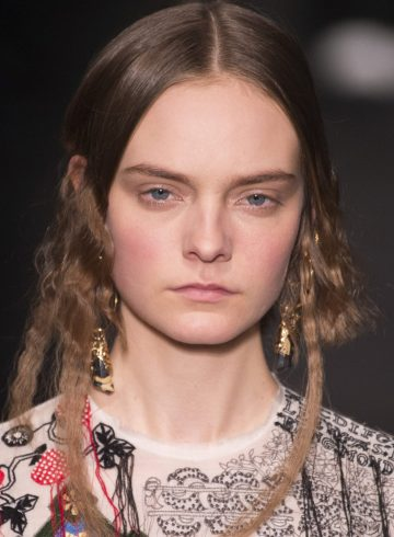 Alexander McQueen Fall 2017 Fashion Show Beauty