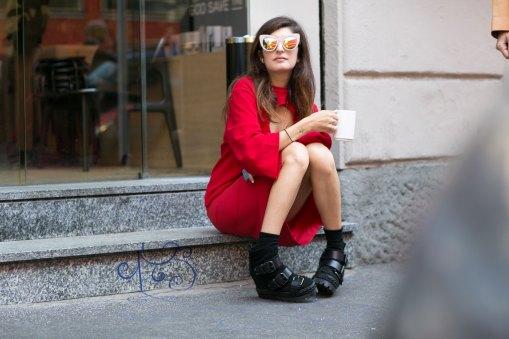 milan-fashion-week-street-style-day-3-september-2015-the-impression-071