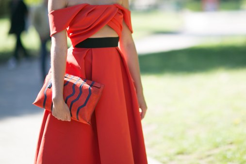 milan-fashion-week-street-style-day-3-september-2015-the-impression-099