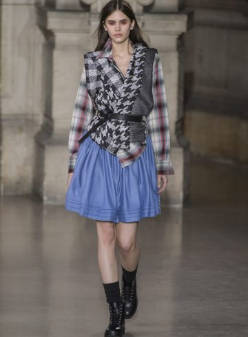 Moon Young Hee Fall 2017 Fashion Show