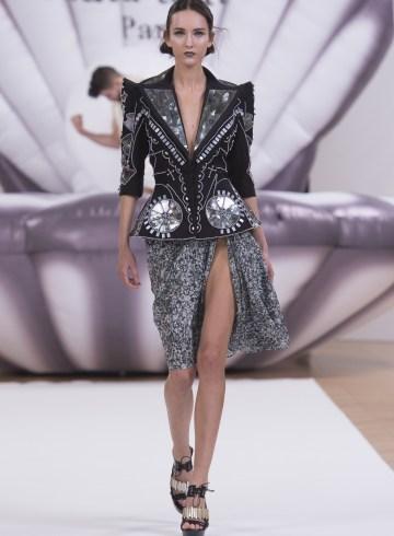 On Aura Tout Vu Spring 2017 Couture Fashion Show