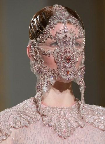 Francesco Scognamiglio Spring 2017 Couture Fashion Show Details