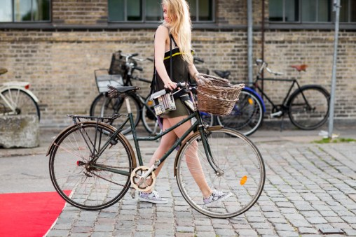 street-style-copenhagen-day-1-the-impression-129
