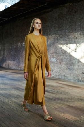 the-row-fashion-show-spring-2015-the-impression-001-682x1024