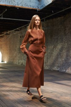the-row-fashion-show-spring-2015-the-impression-007