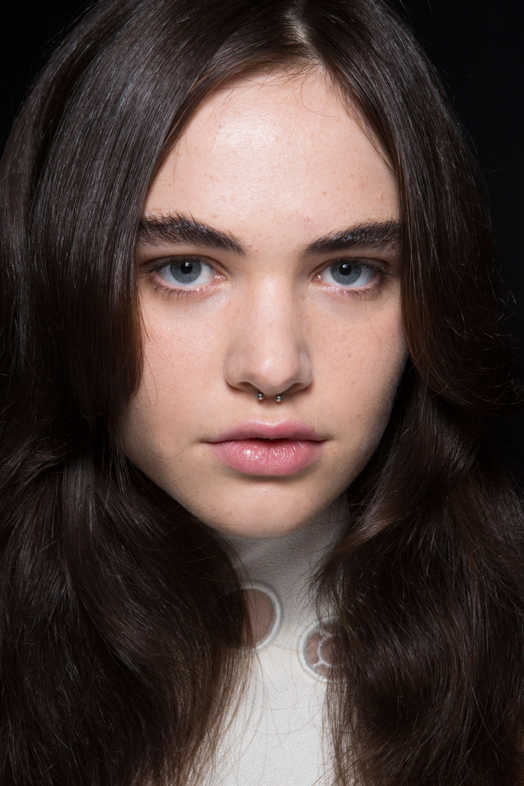 thomas-tait-spring-2016-beauty-fashion-show-the-impression-38