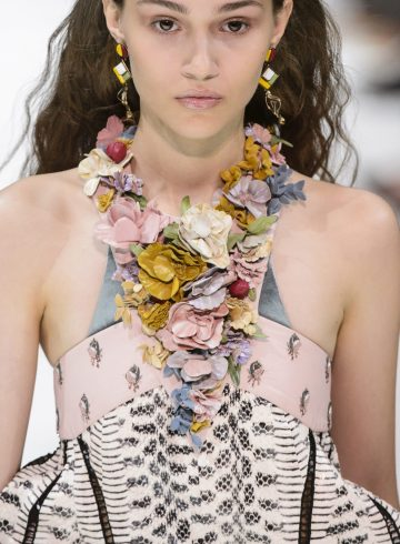 Valentino Spring 2018 Fashion Show Beauty