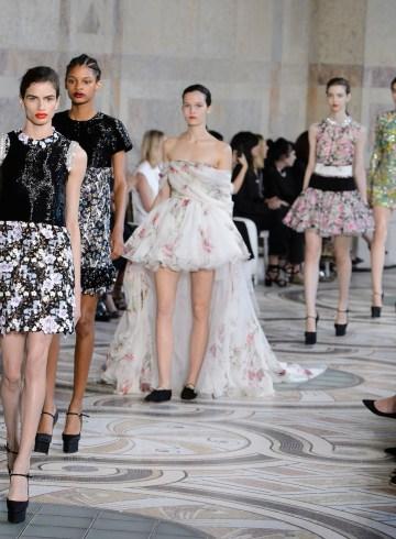 Giambattista Valli Fall 2017 Couture Fashion Show