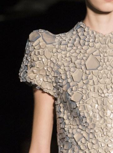 Iris Van Herpen Spring 2017 Couture Fashion Show Details