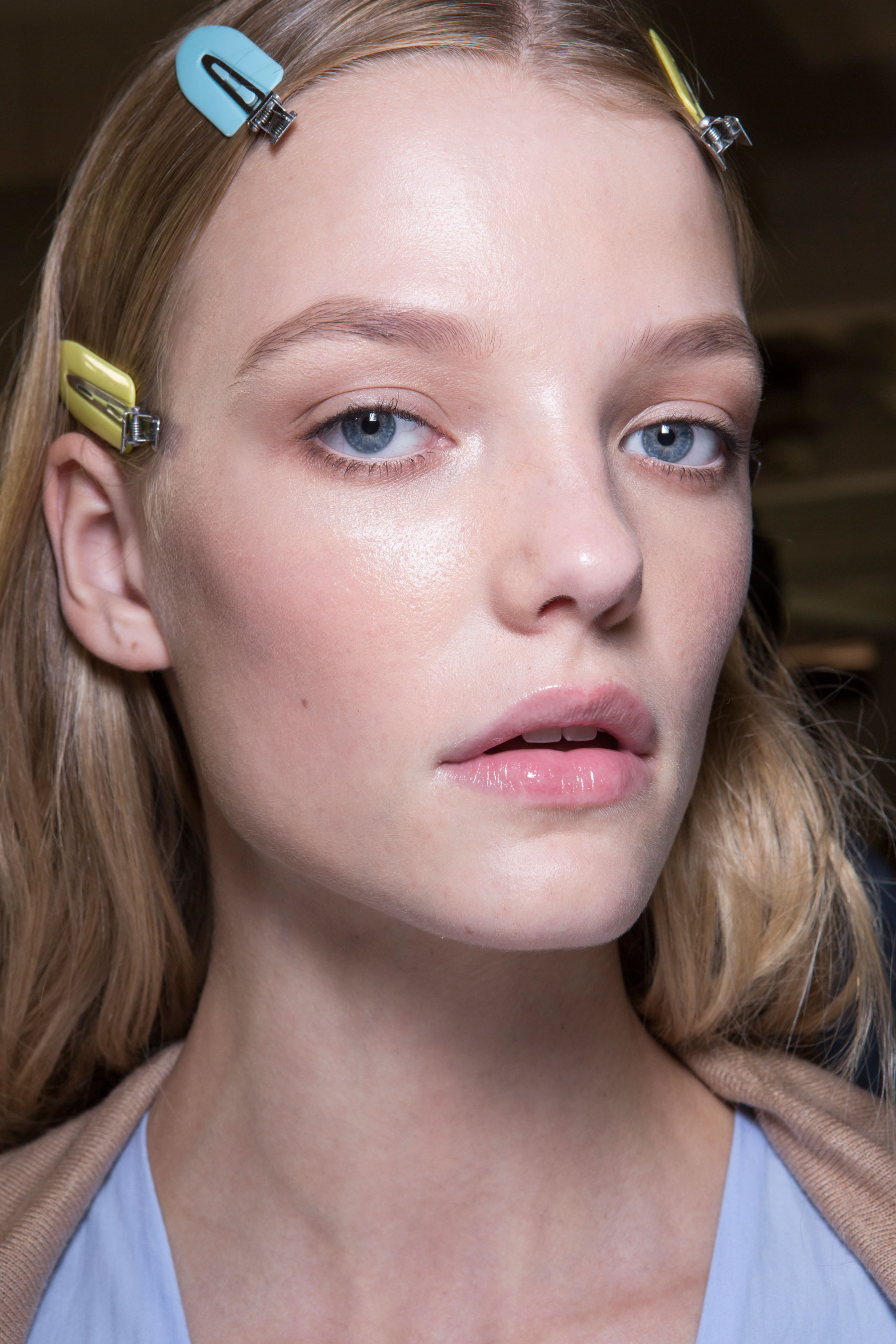 versace-backstage-beauty-spring-2016-fashion-show-the-impression-067