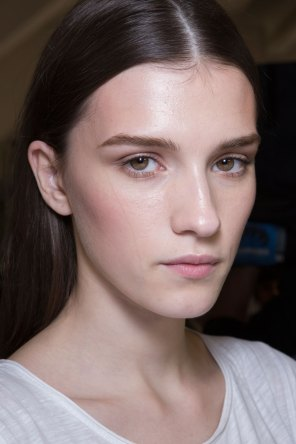 versace-backstage-beauty-spring-2016-fashion-show-the-impression-070