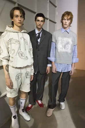 Wooyoungmi Spring 2018 Men's Fashion Show Backstage