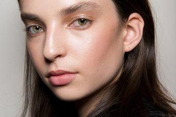 Valentin Yudashkin Fall 2017 Fashion Show Backstage Beauty