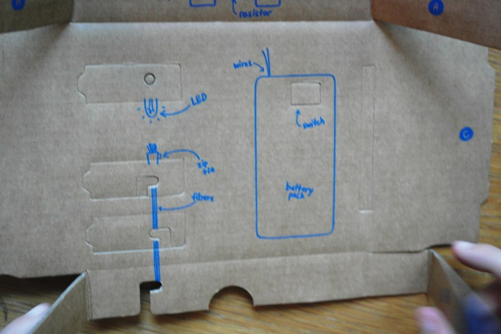 Now for the box. I love that Tinker Crate has simple diagrams.