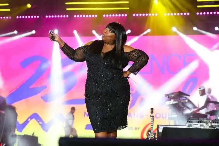 Oprah Winfrey Invites Loni Love to Join '2020 Vision' Tour