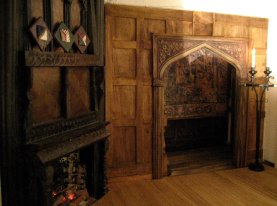 theinfill - Medieval, Tudor, Jacobean dolls house blog - the sitting room with gossips