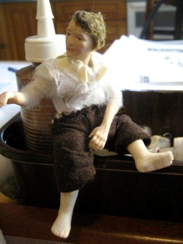theinfill Medieval, Tudor, Jacobean dolls house blog - theinfill dolls house blog – building up a figure shape 3
