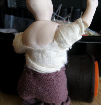 theinfill Medieval, Tudor, Jacobean dolls house blog - theinfill dolls house blog – padding a 1:12 doll body and arms