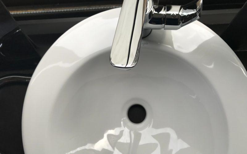 how do you install double sink plumbing