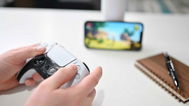 iPhone can now remotely play Sony PlayStation 5 with DualSense controller