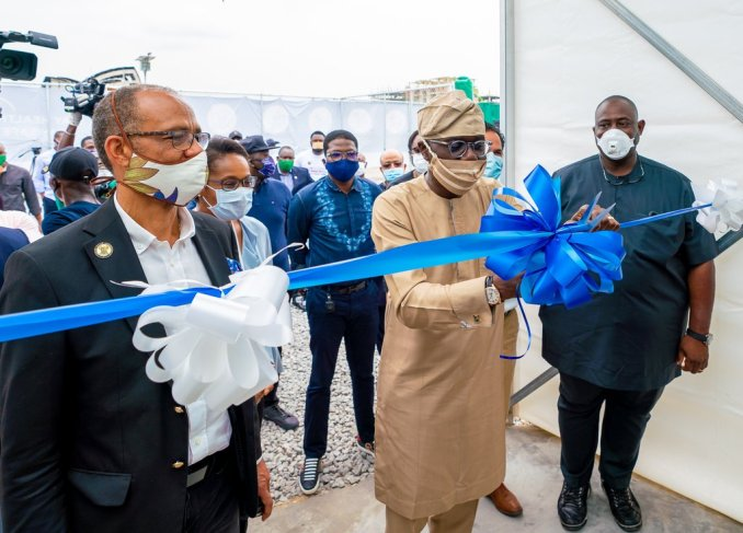 Moments Gov. Babajide Sanwo-Olu rocked locally made facemasks (Photos) 2