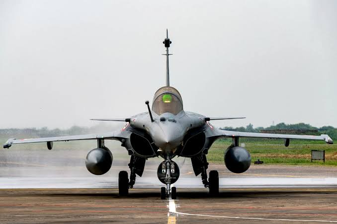 IAF has formally inducted Rafale in 17th Squadron 'Golden Arrow' and we can't be more proud.