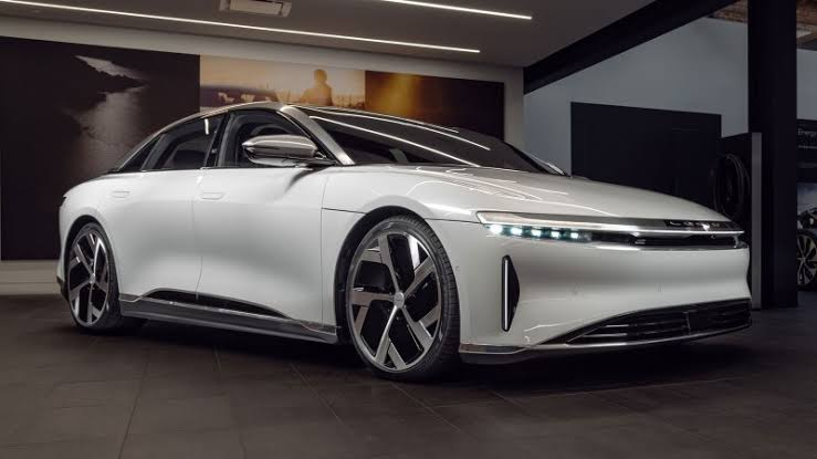 Lucid AIr is the fastest charging electric car ever